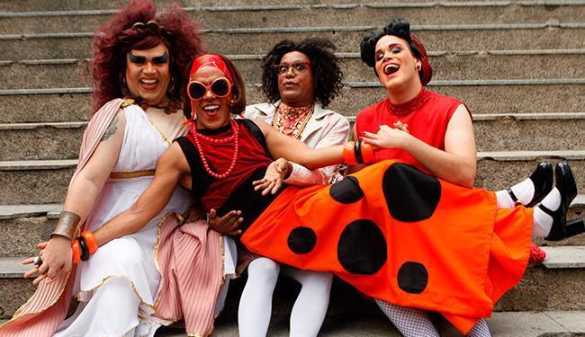 O elenco é formado pelos atores Mário Bezerra, Lelo Filho, Diogo Lopes Filho e Marcos Barretto - Foto: Divulgação