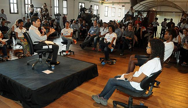 Cerca de 100 adolescentes conversaram com ACM Neto - Foto: Valter Pontes l Agecom