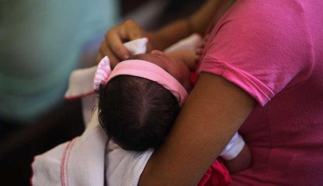 Criança tem que ser menor de um ano - Foto: Xando P. | Ag. A TARDE