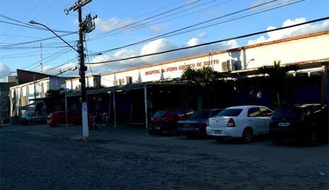 O hospital Dr. Pedro Américo de Brito, em Amélia Rodrigues, atendeu sem energia elétrica - Foto: Ed Santos l Acorda Cidade