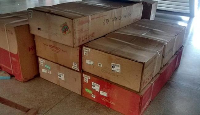 Condicionadores são armazenados sob escada no PAF 3 - Foto: Divulgação