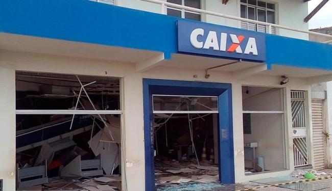 Agência da Caixa Econômica ficou destruída após ação criminosa - Foto: Reprodução | Blog Ronaldo Leite