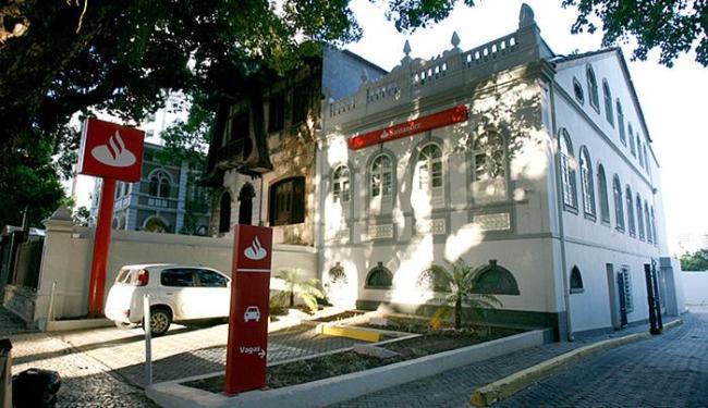 O Banco Santander fica na avenida Sete de Setembro - Foto: Margarida Neide l Ag. A TARDE