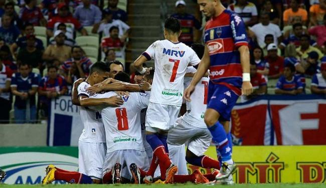 Atletas do Bahia celebram o gol da virada na Arena Castelão, em Fortaleza - Foto: LC Moreira | Estadão Conteúdo