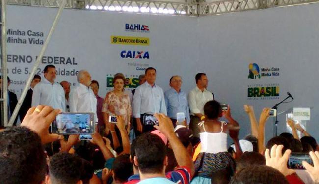 Dilma chegou ao local do evento acompanhada de Wagner e Rui - Foto: Luan Santos| Ag. A TARDE