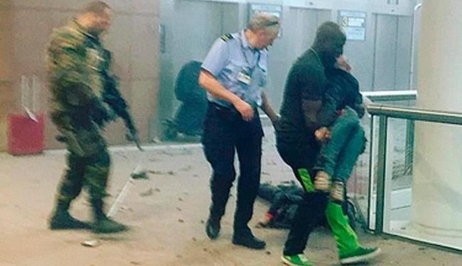 Os ataques aconteceram no aeroporto e em uma estação de metrô - Foto: Reuters