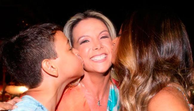 Colunista diz que Carla viajaria com os filhos e Xanddy ficaria entre os EUA e o Brasil - Foto: Reprodução | Instagram