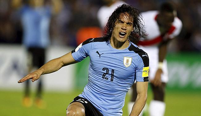 Cavani festeja após marcar o gol do triunfo da Celeste - Foto: Andres Stapff l Reuters