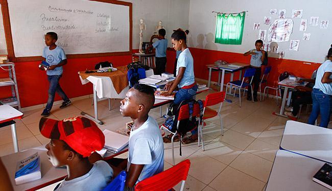 Segundo o Censo Escolar, 932 mil adolescentes deixaram os estudos - Foto: Elza Fiúza l Agência Brasil