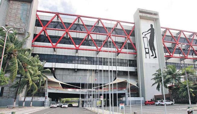 Obras de recuperação do centro de convenções estão orçadas em R$ 13,2 milhões - Foto: Raul Spinassé | Ag. A TARDE