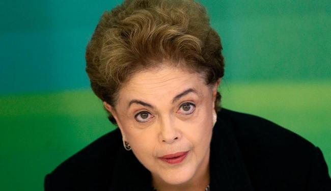 Delcídio relatou que a presidente tentou interferir nas investigações por meio do Judiciário - Foto: Reuters