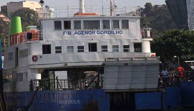 Cinco embarcações operam nesta quarta - Foto: Adilton Venegeroles | Ag. A TARDE | 26.11.2015