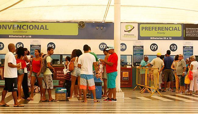 Travessia pelo ferryboat contará com viagens extras para evitar longas filas - Foto: Luciano da Matta l Ag. A TARDE