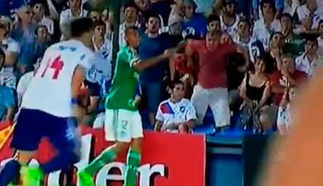 Gabriel Jesus (de verde) foi vítima de racismo na última quinta-feira, 17 - Foto: Reprodução | Twitter