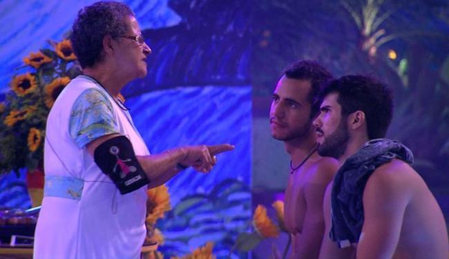 Matheus chamou Geralda de falsa e todo mundo se envolveu na confusão - Foto: Reprodução | Globo