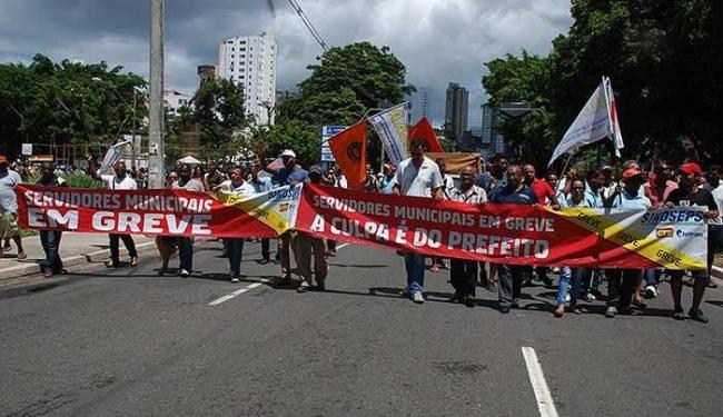 Servidores realizaram caminhada na manhã desta terça - Foto: Sindiseps | Divulgação