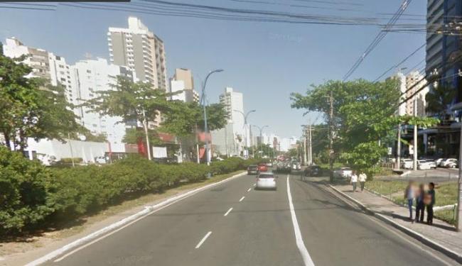 No Itaigara, os bandidos assaltaram o casal e levaram os objetos pessoais - Foto: Reprodução | Google Maps