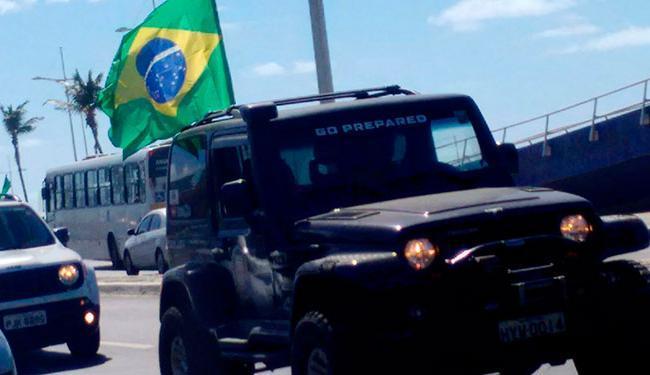 A passeata de jipes vai percorrer o trecho entre as orlas da Boca do Rio e da Barra - Foto: Itana Silva | Ag. A TARDE