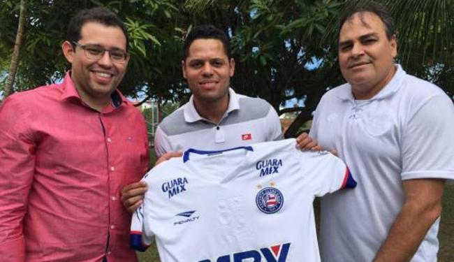 O jogador é a 10ª contratação tricolor em 2016 - Foto: Divulgação   E.C.Bahia
