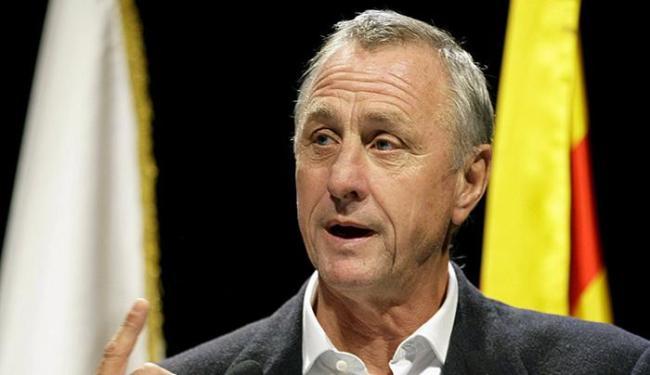 Ex-jogador holandês morreu aos 68 anos após batalha contra o câncer - Foto: Gustau Nacarino l Reuters