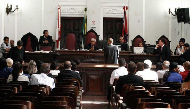 Sessão de julgamento foi realizada no Fórum Ruy Barbosa, em Nazaré - Foto: Edilson Lima   Ag. A TARDE