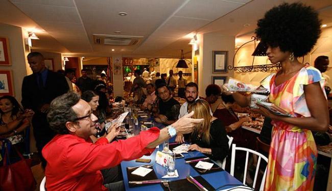 Convidados se reuniram no restaurante Martim Pescador, na Pituba, para a escolha dos ganhadores - Foto: Mila Cordeiro l Ag. A TARDE