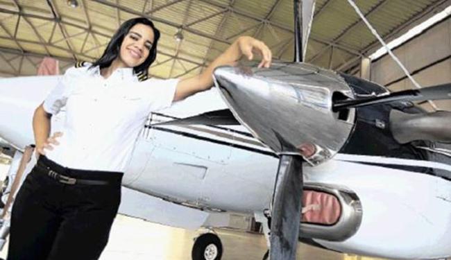 Kelly comanda um Learjet 600 e quer aprender a pilotar helicóptero - Foto: Joá Souza   Ag. A TARDE
