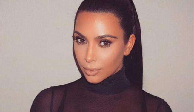 Atualmente, Kim está morena e com o cabelo comprido - Foto: Reprodução | Instagram