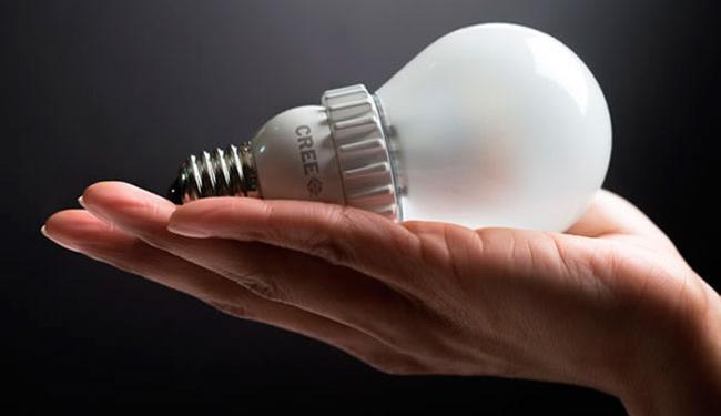 A lâmpada LED é 30% mais econômica que as fluorescentes compactas e não possui mercúrio - Foto: Reprodução