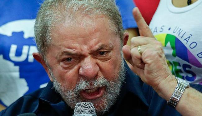 Vídeo com o xingamento de Lula foi postado no Facebook da deputada Jandira Feghali - Foto: AP Photo | Andre Penner