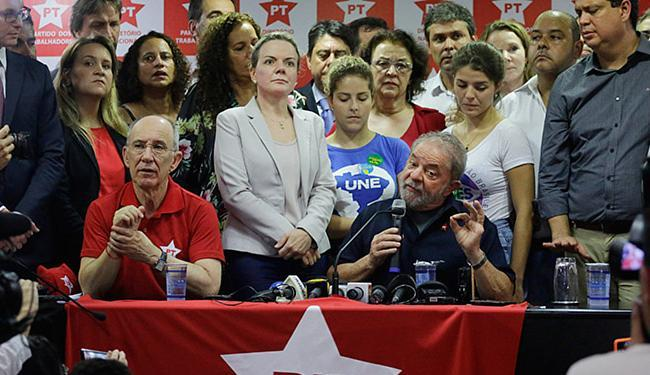 O ex-presidente foi alvo de mandado de busca e apreensão e de condução coercitiva - Foto: Nelson Antoine l AP Photo