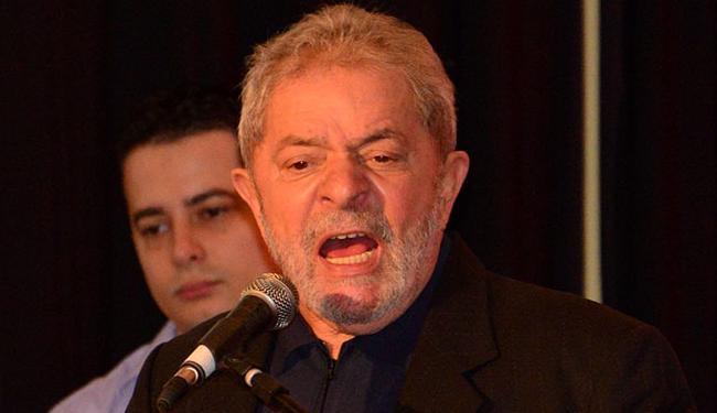 Dilma e Lula conversaram sobre o PMDB e acertaram uma ofensiva para convencer os indecisos - Foto: Erik Salles   Ag. A TARDE