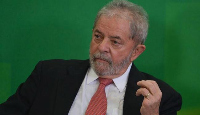 O ex-presidente envolveu-se nas discussões e trabalhou para adiar a reunião do diretório - Foto: José Cruz l Agência Brasil