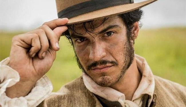 Mateus interpreta o vilão José Maria Rubião - Foto: Reprodução | Instagram