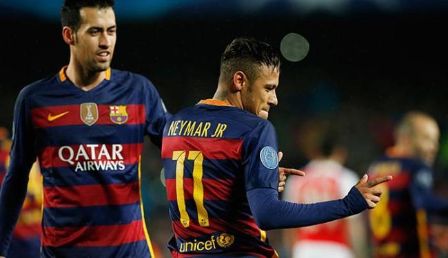 Neymar, autor do primeiro gol, comemora com 'dancinha' - Foto: Albert Gea Livepic | Reuters