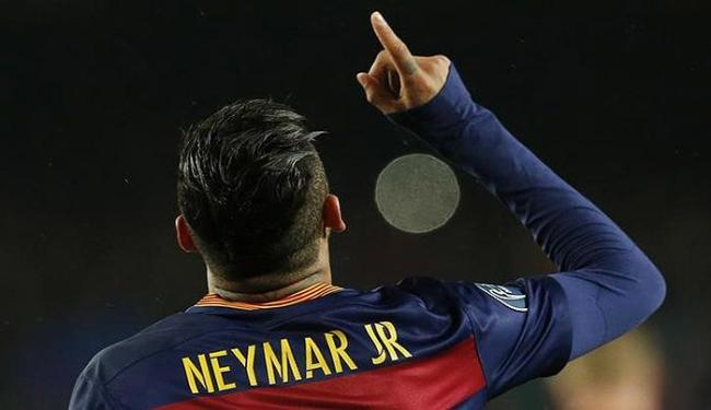 Neymar comemora após abrir o placar para Barça - Foto: Albert Gea l Reuters