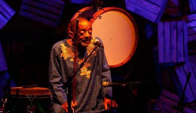 No último dia 28, o músico Naná Vasconcelos se apresentou no Candeal Gheto Square - Foto: Mila Cordeiro | Ag. A TARDE