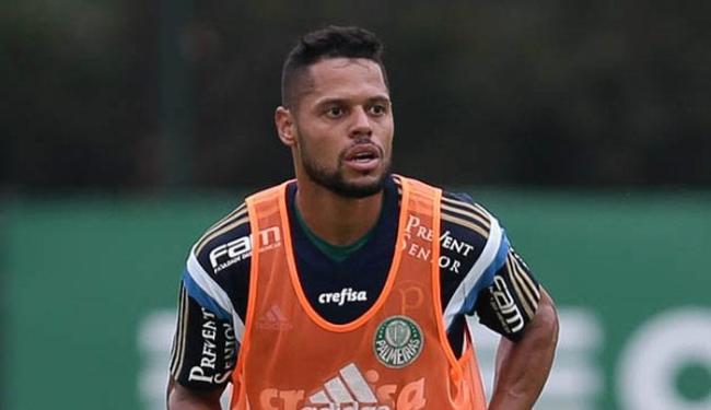 Lateral esquerdo João Paulo jogou pelo Palmeiras no ano passado - Foto: Cesar Greco / Ag Palmeiras / Divulgação