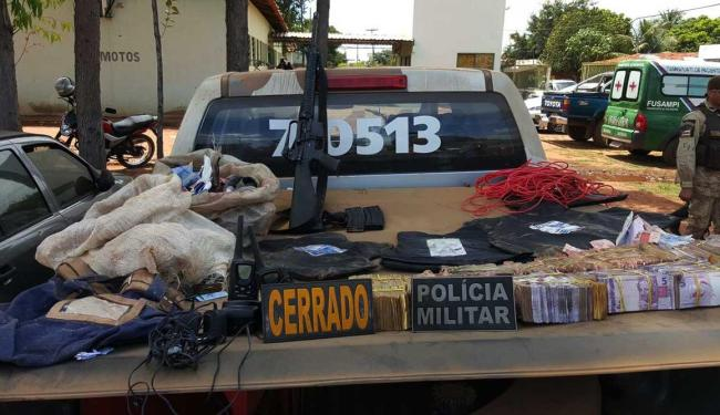 Arma usada em arrombamento foi apreendida e dinheiro roubado foi recuperado - Foto: Ascom   Polícia Militar