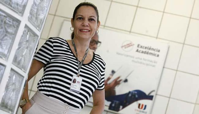 Professora de EAD, Bárbara destaca a interação no ensino online - Foto: Mila Cordeiro | Ag. A TARDE