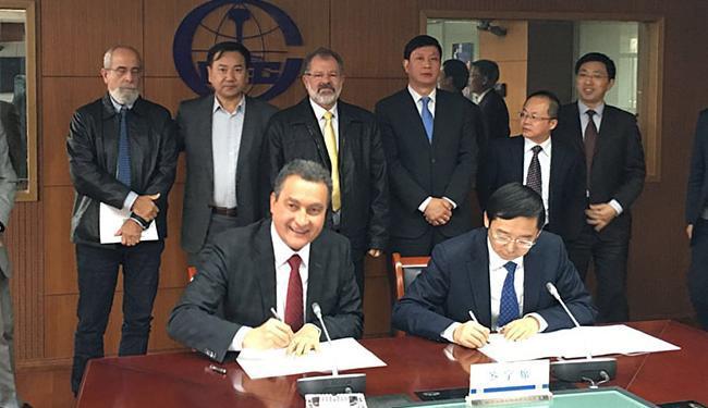 Governador Rui Costa assinou parceria com grupo chinês - Foto: Diego Mascarenhas l Secom