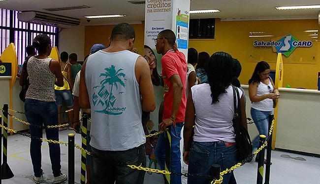 A revalidação pode ser realizada de segunda a sexta-feira, das 8h às 17h, nos postos de atendimento - Foto: Edilson Lima | Ag. A TARDE