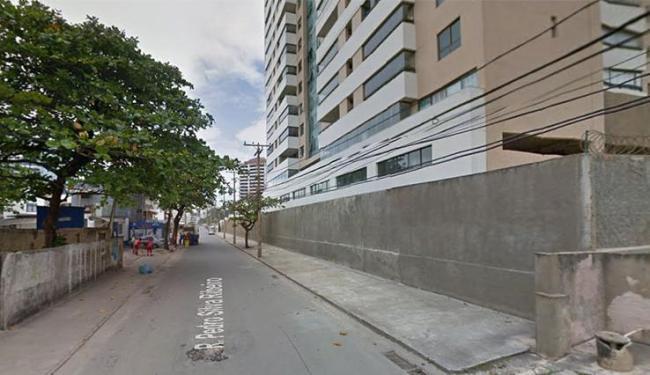 Crime aconteceu na rua Pedro e Silva, em Armação, na noite deste domingo - Foto: Google Maps