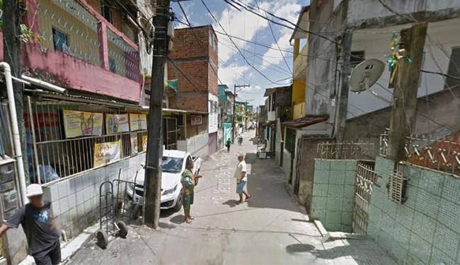 Homens morreram em um bar na rua Marina Deiró Rocha, no bairro de Sussuarana - Foto: Google Maps