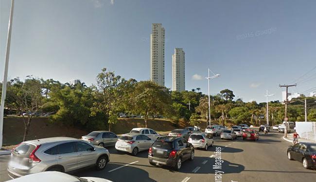 O trânsito está lento na avenida Juracy Magalhães Júnior, sentido Iguatemi - Foto: Google Maps
