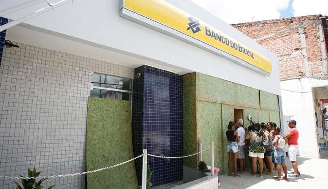 Prédio que abriga agência BB em São Sebastião do Passé segue em obras, sem previsão de conclusão - Foto: Luciano da Matta | Ag. A TARDE
