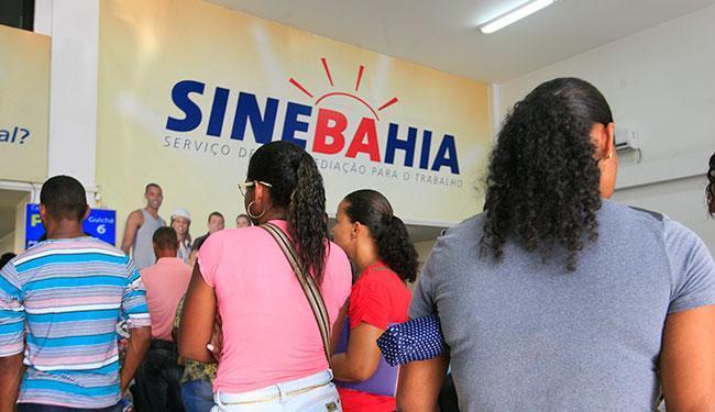 Os interessados em Salvador devem ir à unidade central do SineBahia, localizada na av. ACM - Foto: Edilson Lima | Ag. A TARDE