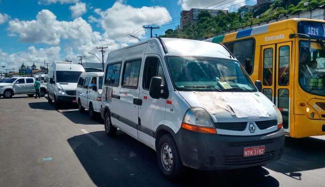 Motoristas pedem aprovação de lei que garanta o serviço de transporte alternativo - Foto: Edilson Lima | Ag. A TARDE
