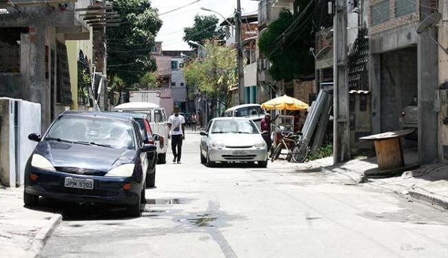 Serralheiro foi assassinado em frente ao local de trabalho, na Rua Belonita - Foto: Edilson Lima | Ag. A TARDE