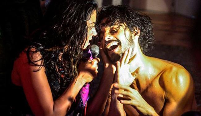 Rodrigo Santoro e Carol Castro protagonizaram cenas de sexo - Foto: Reprodução | TV Globo